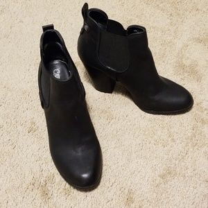 Carlos Booties size 9.5
